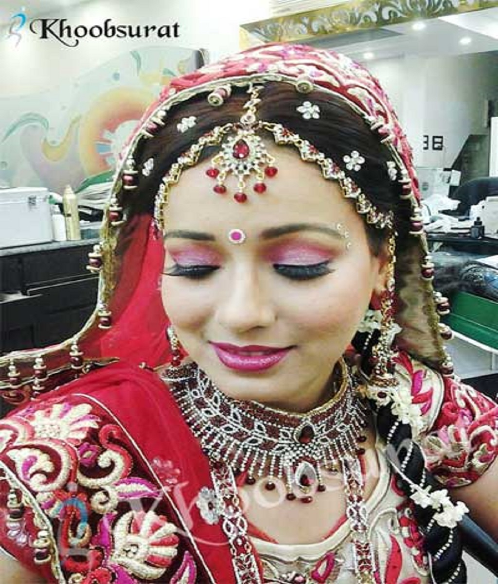 Why Get an Expert Bridal Makeup Artist