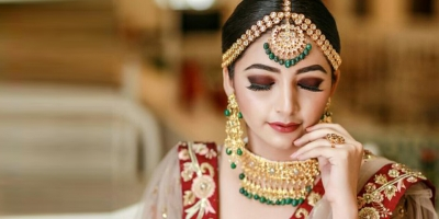 Choose Airbrush Makeup For Flawless Skin On Your Special Day
