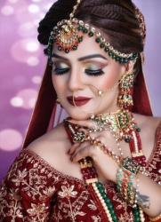 Key features of bridal makeup artist