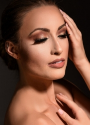 Summer Wedding Makeup Tips to Look Flawless