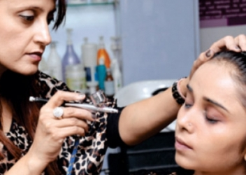 Why Airbrush Makeup is recommended by Most Makeup Professionals