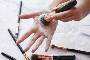 Why should you clean your cosmetics during Covid-19