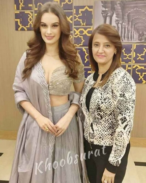 Evelyn Sharma got Ready by Best Makeup Artist in Rohini for a Fashion Event
