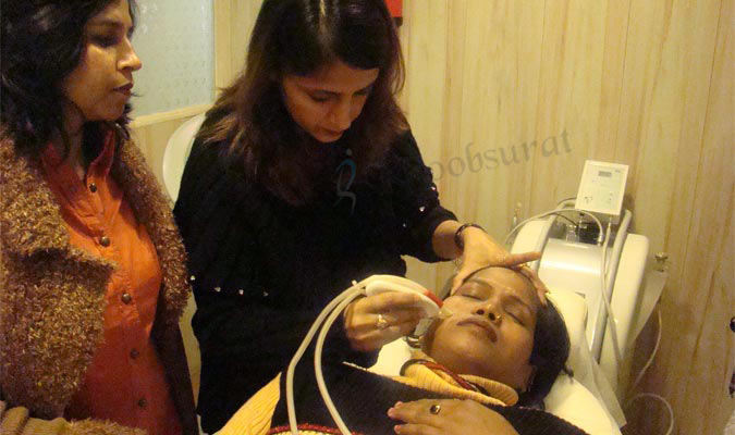 Intense Pulsed Light Therapy in Model Town