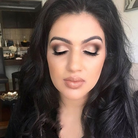 Nude Makeup Artist in Kakinada