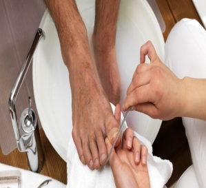 Pedicure in Paschim Vihar