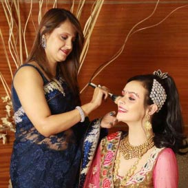 Professional Makeup in Pulwama