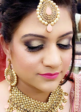 Shimmer Makeup in Kishtwar