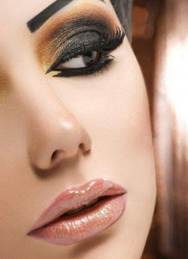 Airbrush Makeup in Paschim Vihar